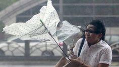 GothicMetalPoker: Topan Dujuan pendekatan Taiwan, ribuan dievakuasi