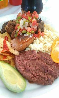 Plato típico Honduras carne asada Sabanagrande Carne Asada, Honduran Recipes, Honduras Food, Peruvian Recipes, Latin Food, Dessert For Dinner, World Recipes, Slow Cooker Recipes, Gastronomia