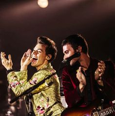 Harry and Mitch are so cute together <3