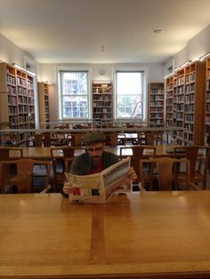 Found a quiet place to read my @LRB, the empty philosophy library in Oxford. #readeverywhere pic.twitter.com/WSTxmUaSwi