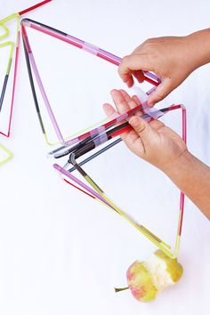 Drinking Straw Structures | Easy DIY toy to help kids explore geometry and structures | BABBLE DABBLE DO  *snack not included ;) #diytoy #engineeringforkids