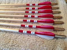 Hand crested traditional English longbow arrows