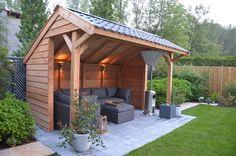 Overkapping in de tuin. Kapschuur Douglasvision Economy via Van Kooten Blokhutvillage