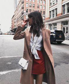 Sabe aquela pessoa que faz o combo camiseta básica e calça jeans ficar extremamente estiloso?! A blogueira Michelle é assim.