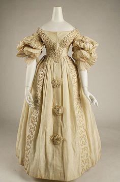 Circa 1832 silk dress, British.  Beautiful sleeves!