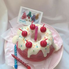 Pretty Cakes, Cute Cakes, Sweet Cakes, Foto Pastel, Cute Desserts, Cafe Food, Aesthetic Food, Aesthetic Pastel, Food Cravings