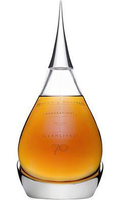 Glenlivet Single Malt Scotch Whisky, 70 Year Old: sonho dourado! Aged Whiskey, Oldest Whiskey, Cigars And Whiskey, Bourbon Whiskey, Whiskey Bottle, Scotch Whisky, Malt Whisky, Alcohol Bottles, Liquor Bottles