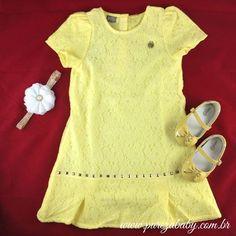 Vamos de amarelo para a Virada?   Opção de look para a virada: Vestido rendado R$ 98,00 http://purezababy.com.br/vestido-renda-brandili-mundi.html Sapatilha R$ 68,90 http://purezababy.com.br/sapatilha-babyi-lacos-amarela.html Faixa R$ 26,00