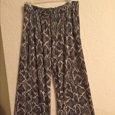 H&M comfortable pants, snake skin print H&M very comfy  pants ! H&M Pants Wide Leg