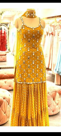 Party Wear Indian Dresses, Designer Party Wear Dresses, Indian Gowns Dresses, Indian Bridal Outfits, Indian Fashion Dresses, Dress Indian Style, Indian Designer Outfits, Event Dresses, Long Dresses