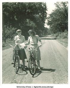 University of Iowa students on Iowa State Fair bicycle ride, Iowa, 1940s | University of Iowa Physical Education for Women | Iowa Digital Library