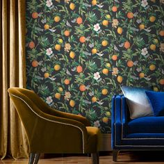 Add the zest of Italian limoncello with Amalfi Umore. Hand painted luscious lemons, budding summer florals and divine clementines are enhanced with the beauty of nature. Bathroom Wallpaper, Home Wallpaper, Black Wallpaper, Feature Wallpaper, Wallpaper Samples, Limoncello, Eclectic Wallpaper, Wallpaper Please, Palette