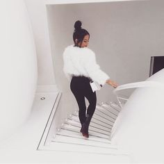 outfits ideas with coat - Bilder Land Fur Fashion, Fashion Killa, Fashion Looks, Fashion Outfits, Womens Fashion, Fashion Trends, Style Fashion, Vogue, Mode Club