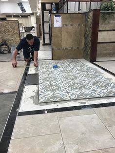 It's always exciting to see new install's going on in our showroom. Thank you Bachman Tile and Granite for making our designs come to life. #cementineretro #decorativetile #porcelaintile #cementilestyle https://www.arizonatile.com/en/products/decos-listelles/cementine-retro