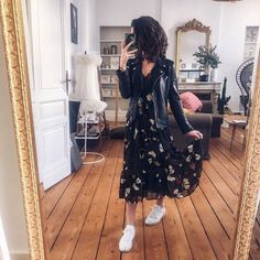 12 Outfits perfect for cold mornings but hot afternoons - 12 Outfits perfect for cold mornings but hot afternoons You are in the right place about grunge outf - Modest Outfits, Skirt Outfits, Modest Fashion, Casual Dresses, Casual Outfits, Cute Outfits, Fashion Outfits, Emo Outfits, Lolita Fashion