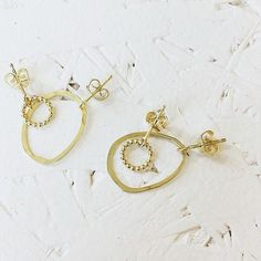 Eva Schreuder earrings #kolifleur #jewelry #handmadejewelry #dutchdesign by @ninabrigitte