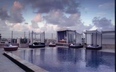 Aqua is the rooftop al fresco bar and dining experience at The Park Chennai. The daytime lounging area by the poolside transforms into a perfect chill-out zone with intimate areas for lounging, drinking and dining in the evening.  The pool captures the changing colours of the Chennai sky while the underwater lighting punctuates the night with its own magic.