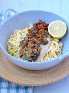 Lekker en gezond recept voor kabeljauw met een korstje uit de oven. Gemaakt in combinatie met de citroen pasta. Heerlijke combinatie, er zouden evt ook groene asperges of sugar snaps bij passen. Frisse salade is ook prima, bijvoorbeeld met venkel.