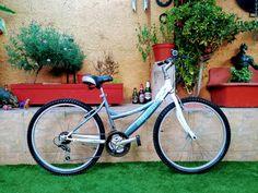 Reparacion y Restauración. #bicicletas #vintage Bicycle, Bicycle Types, Riding Bikes, Cruiser Bikes, Vintage Bicycles, Bike, Bicycle Kick, Bicycles