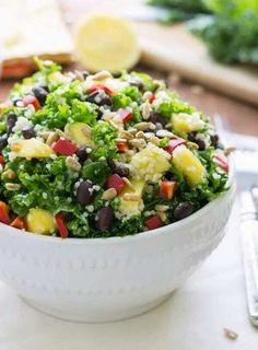A simple detoxifying salad - couscous and kale mixed with a lemon vinaigrette I via chelseasmessyapron Healthy Pastas, Healthy Salad Recipes, Healthy Snacks, Healthy Eating, Healthy Dinners, Tortellini, Simple Couscous Recipes, Chicken Salad With Apples, Salads