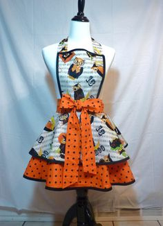 Womens apron XS to Plus sizse  Halloween apron  Owl print  Hostess Party apron