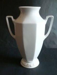Rosenthal Classic 31 cm  Courtesy of Ebay seller sccl.83451 Dresser Shelves, Welsh Dresser, Aunt, Cupboard, Vases, China, Tableware, Classic, Kitchen