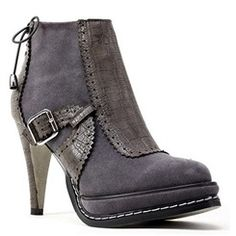 Fashionable Platform Heels Ankle Boots With Buckle