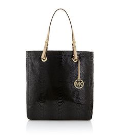 #DesignerHandbagsLove  #COM   MK bag... sizzlinnnnnn