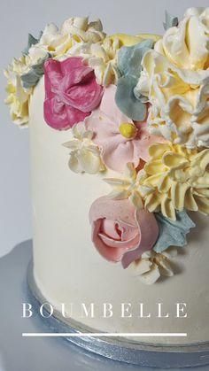 Eine Torte dekoriert mit Buttercream Flowers in frühlingshaften Pasteltönen #buttercreamflowers #flowers #came #birthdaycake Buttercream Flowers, Cake, Desserts, Food, Wedding Day, Birthday, Simple, Pie Cake, Meal