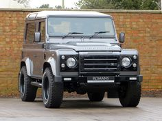 Romans International are official partners of Twisted Automotive and we are delighted to offer this 2014/64 Twisted Defender 90 XS T40 for sale with the latest 2015 Twisted model upgrades. Presented in 'Corris Grey', this example comes with multiple upgrades from Twisted Automotive, the undisputed number one modification company when it comes to the iconic Defender.
