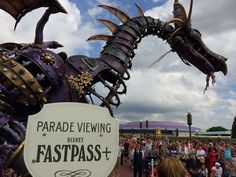 FastPass+ parade and fireworks viewing tips for Magic Kingdom - blog.touringplans.com