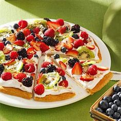 Multiple desserts, with a whole collection of recipes under each category, including Favorite Recipes for Fruit Pizza. Köstliche Desserts, Delicious Desserts, Dessert Recipes, Yummy Food, Pizza Fruit, Dessert Pizza, Yummy Treats, Sweet Treats, Cream Cheese Crescent Rolls
