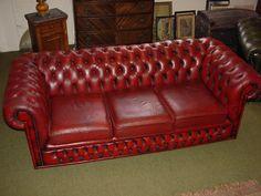 Canape chesterfield rouge 3 places en cuir ! www.helen-antiquites.com