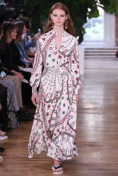 Valentino Spring/Summer 2018 Resort Collection | British Vogue