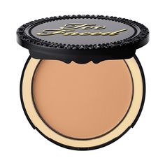 Infused with an exclusive Too Faced cocoa complex, this antioxidant-rich powder foundation protects skin while minimizing the appearance of lines and pores.