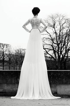 great idea for showcasing an amazing gown - such an austere background