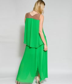 Luce elegante y mantente ligera. http://www.anagala.com Exclusivos vestidos artesanales