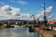 Nákladný prístav