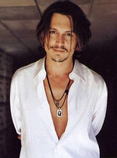 20 Pictures Of Johnny Depp To Get You Through The Day : WARNING: content may cause breathing issues. Johnny Depp Wallpaper, Young Johnny Depp, Here's Johnny, Johnny Depp Frases, Junger Johnny Depp, Jonh Deep, Johnny Depp Characters, Johnny Depp Movies, Fangirl