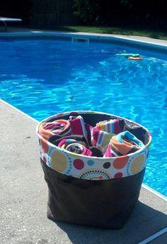 Cute way to store towels by the pool! http://www.mythirtyone.com/thirtyonehandbags