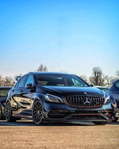 Classic Car News Pics And Videos From Around The World 3008 Peugeot, Peugeot 206, Mercedes A45 Amg, Daimler Ag, Cars And Coffee, Porsche, Classic Cars, Top Gun, Geeks