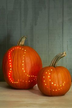 27 Creative and Scary Pumpkin-Carving Ideas for Halloween. Halloween spooky decoration ideas with pumpkins. Creative pumpkins decoration ideas for Halloween. Halloween indoor and outdoor decoration ideas. Scary Pumpkin Carving, Amazing Pumpkin Carving, Spooky Pumpkin, Halloween Pumpkins, Pumpkin Ideas, Halloween Ideas, Halloween Decorations, Pumpkin Carving With Drill, Halloween Quotes