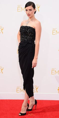 Jessica Pare: Emmy Awards 2014.  Girl, bring it with your sleek chignon.