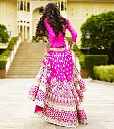 The Beautiful Clothes of India : Photo