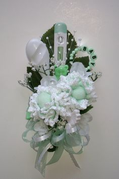 Baby Shower Corsage / Crocheted Mint Green Baby Washcloth Corsage / New Mom Corsage / Baby Sprinkle Corsage Baby Shower Favors, Baby Shower Games, Shower Party, Baby Shower Parties, Shower Gifts, Baby Boy Shower, Baby Showers, Baby Corsage, Ideas Prácticas