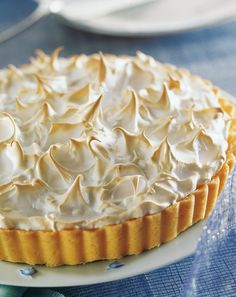 Lemon pie - Cucina Corriere.it Tart Recipes, Sweet Recipes, Dessert Recipes, Lemon Meringue Tart, Death By Chocolate, Baked Goods, Deserts, Pie, Sweets
