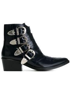 Compre Toga Ankle boot de couro com fivelas em Oportunidades Farfetch from the…