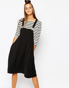 Unsure if I dare to dabble in this style, but it just looks so gorgeous over a striped tee.