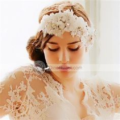 DinoDirect.com supplied the best NANA Show Pearl Rhinestone Decor Wedding Hair Ornaments Lace Head Band you like. Do you want to add attraction to your only once weeding? If you do, the head band bridal wedding headpiece can help you. With gorgeous pearl rhinestone decor design, the wedding hair decoration comes with stunning components of style to make it more pure and lovely. Bridal wedding headpiece can help you catch other's eyes at the first glance. The flowers dress-up this beautifully…