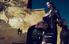 The unstoppable photography duo is in charge of yet another Spring Summer 2011 campaign, Mert and Marcus photographed legendary supermodel Mariacarla Boscono for Loewe's latest advertisement. Fashion Art, Editorial Fashion, Fashion Models, Summer Glow, Spring Summer, Guy Aroch, Alas Marcus Piggott, Tim Walker, Fashion Advertising